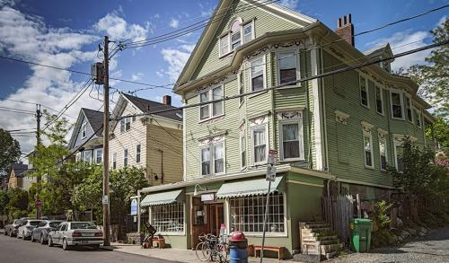 Jamaica Plain � Local and Long Distance Moving Companies