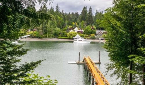 Bainbridge Island � Local and Long Distance Moving Companies
